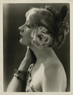 Gwen Lee by Clarence Sinclair Bull