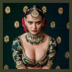 Love the Indian choli blouse by Sabyasachi, flowers in hair and the gorg model, But NOT the gaudy jewellery: 2017 Sabyasachi Jewelry Collection - Kundan Sets. Beautiful Girl Indian, Beautiful Saree, Beautiful Indian Actress, Indian Beauty Saree, Indian Sarees, Quotes Sparkle, Actrices Sexy, Indian Bridal Fashion, Sexy Girl