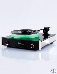 MT5 precision turntable by McIntosh - www.remix-numerisation.fr - Rendez vos souvenirs durables ! - Sauvegarde - Transfert - Copie - Digitalisation - Restauration de bande magnétique Audio - MiniDisc - Cassette Audio et Cassette VHS - VHSC - SVHSC - Video8 - Hi8 - Digital8 - MiniDv - Laserdisc - Bobine fil d'acier