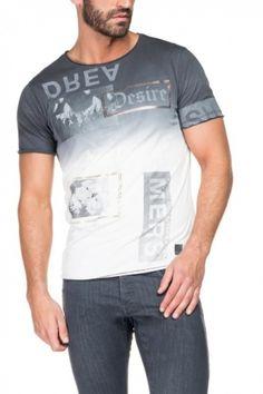 Encontra na loja online as novidades em t-shirts e pólos de Homem! Uma grande variedade de escolha, numa grande palete de cores.