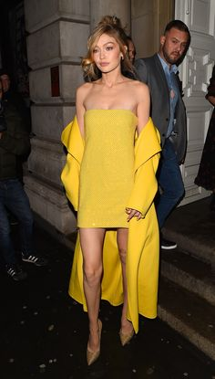 Gigi Hadid Just Wore an All-Yellow Outfit with Sequins and You Will Need Shades to Look at Her - - The glow is unreal. Style Gigi Hadid, Gigi Hadid Outfits, Gigi Hadid Fashion, Celebrity Outfits, Celebrity Style, Monochrome Outfit, Yellow Fashion, Red Carpet Dresses, Yellow Dress