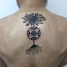 'Raíces' con amor para mi querido padre ❤️ #tattoo #kultrun #araucaria #araucariatattoo #mapuche #raices #mapuchetattoo #tatuaje #chile #mansomambo
