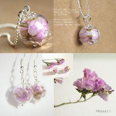 Parure bijoux globe en verre soufflé transparent et fleurs séchées lavande de mer rose - nature léger