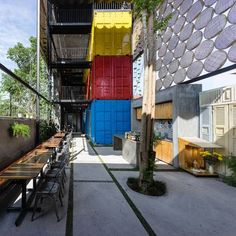 This interesting cargotecture creation was recently completed by the company TAK Architects. It is a hostel located in the Vietnamese ocean resort town of Nha Trang and is comprised of a stack of three recycled shipping containers, which where painted in bright colors and contain family-sized and multi bed dormitory style rooms. The so-called Ccasa Hostel is located only a short walk from the beach, and they pride themselves on being a modern and family-friendly…
