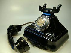 Bakelite by Old Telephones Retro Vintage, Vintage Items, Vintage Stuff, Gossip Bench, Antique Phone, Retro Phone, Telephone Booth, Vintage Phones, Landline Phone