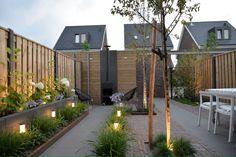 Afbeeldingsresultaat voor remade with love tuin House Fence Design, Front Yard Design, Garden Deco, Garden Yard Ideas, Modern Landscaping, Backyard Landscaping, Back Gardens, Outdoor Gardens, Summer Garden