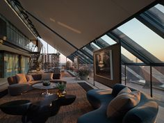 Finally futurism done well (organically). Neo Bankside Penthouse, London, Interior Design by Jonathan Reed, Photography by Nick Guttridge New York Penthouse, Luxury Penthouse, Penthouse Apartment, London Apartment, Luxury Home Decor, Luxury Homes Interior, Interior And Exterior, Exterior Design, Luxury Apartments London