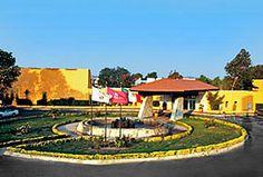 Hotel Fiesta Inn, Pachuca Hidalgo -A un costado del Club de Golf Campestre.