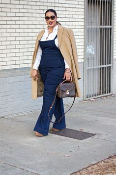 If you are just tired of searching the chic style and extremely stylish plus size winter outfits for your curvy figure read on to know about the graceful winter outfits for curvy women. Style Fashion Week, Fashion Looks, Fall Fashion Trends, Autumn Fashion, Plus Size Fashion For Women, Curvy Women Fashion, Plus Size Women, Womens Fashion, High Fashion