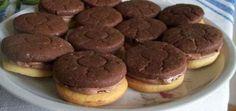 Nagyon megéri anyagilag is, és az íze nagyon finom, és nem utolsó sorban, nem tartalmaz semmit ízfokozót, vagy ártalmas dolgot.Ma megcsináltam, dupla adagból kb: 80db lett, nagyon finom Hozzávalók atésztához: 40 dkg liszt 1 ké... Hungarian Desserts, Hungarian Recipes, Snack Recipes, Snacks, Greens Recipe, Crinkles, No Bake Desserts, Biscuits, Muffin
