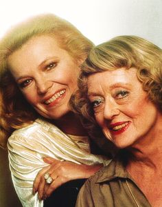Gena Rowlands & Bette Davis, Strangers: The Story of a Mother and Daughter, 1979 tv movies Classic Hollywood, Old Hollywood, Hollywood Picture, Hollywood Stars, Gena Rowlands, John Cassavetes, Bette Davis Eyes, Betty Davis, Mary Pickford