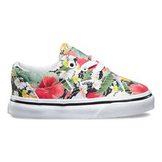 The Digi Aloha Era, the Vans classic low top skate shoe, features sturdy canvas uppers with an allover tropical floral print, metal eyelets, signature rubber waffle outsoles, and padded collars for support and flexibility.