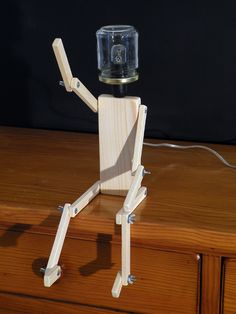 Character lamp in wood and glass jar Pots, Best Desk Lamp, Home Organisation, Wooden Lamp, Light Fittings, Lamp Design, Drafting Desk, Glass Jars, Cool Things To Make