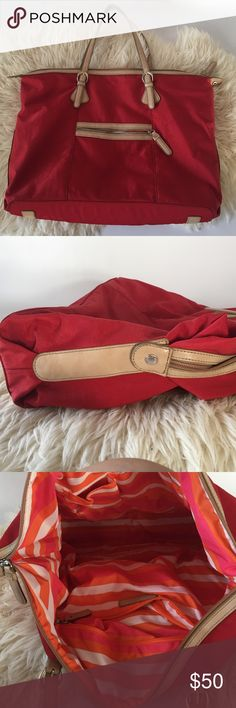 Banana Republic nylon red tote! In very good condition! Adjustable shoulder straps! Banana Republic Bags Totes