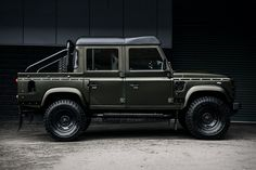 Combining a ruggedness with luxury, the new Kahn Land Rover Defender Double Cab Truck is definitely something to behold. The updated version of the classic SUV is the ultimate vehicle when it comes to off-roading. The Volcanic Rock Satin paint job, combined with the dark red leather seats and satin black roof gives the Kahn …