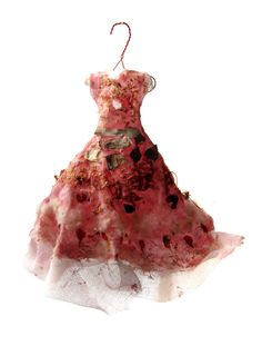 dress art by Beatrice Oettinger. miniature dresses adorned with seeds, grasses and flowers found on walks through the wild spaces of Berlin, via Behance Crazy Dresses, Unique Dresses, Fashion Line, Unique Fashion, Fashion Design, Land Art, Growth And Decay, Creative Textiles, Fairy Clothes