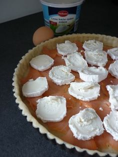 Quiche au chèvre & saumon fumé Easy To Cook Meals, Pizza Burgers, Entrees, Sandwiches, Good Food, Brunch, Food And Drink, Dinner, Eat
