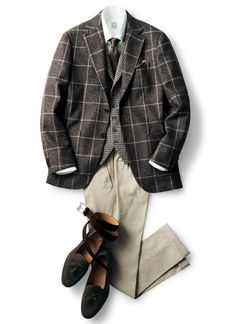 Source: Beams - F/W menswear & suits! Older Mens Fashion, Suit Fashion, Sharp Dressed Man, Well Dressed Men, Mode Costume, Outfit Grid, Mens Fall, Black Suits, Mens Clothing Styles
