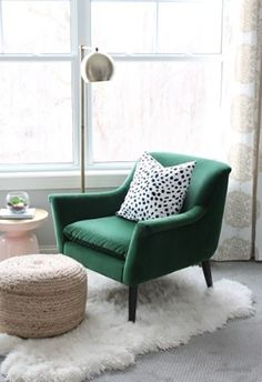 Essential things for inspirational reading chair design ideas - Room Design Big Comfy Chair, Cozy Chair, Chair Eames, Bedroom Reading Nooks, Reading Nook Chair, Bedroom Chair, Vintage Chairs, Living Room Chairs, Dining Rooms
