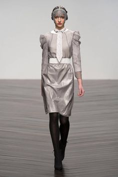 Bora Aksu Fall 2013 Ready-to-Wear Runway - Bora Aksu Ready-to-Wear Collection - ELLE