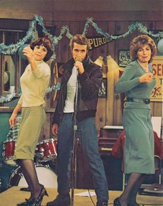 """Laverne and Shirley"" with ""Fonzie"""