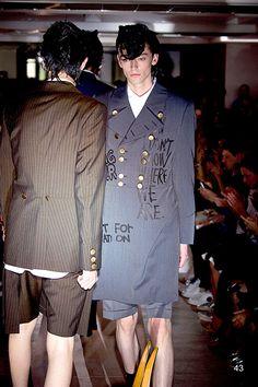 コム デ ギャルソン・オム プリュス 2015年春夏コレクション - 服が武器の「平和の軍隊」 | ニュース - ファッションプレス