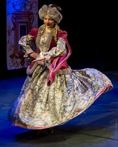 'Alla Polacca', performed by the court ballet ensemble 'Cracovia Danza'. Traditional Fashion, Traditional Outfits, Polish Folk Art, Krakow Poland, Period Costumes, My Heritage, Folk Costume, Historical Costume, Lithuania