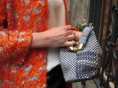 Maria La Rosa made in italy clutch. Spolverino in seta arancione e celeste. Pezzo unico. Seta e manifattura italiana. Sempre all'Atelier Altrecose di Lu via @Clarissa Vintage