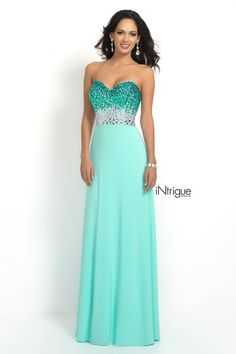 Strapless sweetheart with a fully beaded bodice and modified A line chiffon skirt.Back zipper closure.