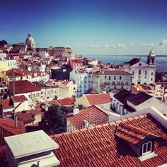 We completely fell in love with Alfama, #Lisbon's most historical & intriguing quarter, on a recent trip to #Portugal. #sun #sea #coast #architecture #Alfama