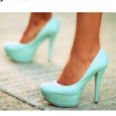 Tiffany Blue Heels!❤ Tiffany Blue Heels!❤ ((I could never wear these unless I had the dress to match, but I think they're gorgeous - it does say 'Tiffany's' all over them..))