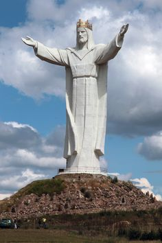 statue of Christ the King