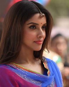 Asin - Bollywood super star   http://www.dfilmybuzz.com/asin/