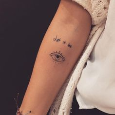 51 ideas eye tattoo ideas small for 2019 Small Girl Tattoos, Little Tattoos, Mini Tattoos, Body Art Tattoos, Tattoos For Women, Tatoos, Piercing Tattoo, Piercings, Sailor Jerry Tattoos