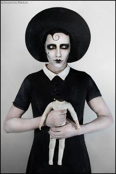 Monsieur Goujon makeup - Madame Collects Herself Costume Halloween, Dark Fashion, Fashion Art, Black N White Images, Black And White, Pierrot Clown, Tv Movie, Art Photography, Fashion Photography