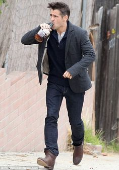 Colin Farrell's Wife | Colin Farrell drinks a bottle of whisky on the Seven Psychopaths set ...