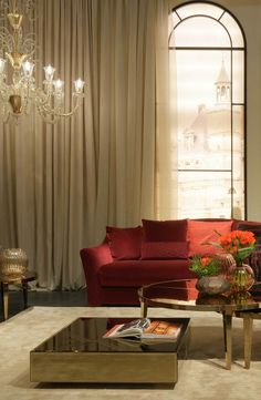 c3e384e05d8 Mysterious and luxurious living room with the vivid Feaubourg Sofa  surrounded with gold and cream by Fendi Casa