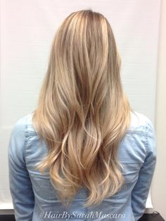 Blended, multidimensional blonde highlights. Balayage