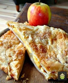 Apple and Custard Strudel | This looks oh so delicious!