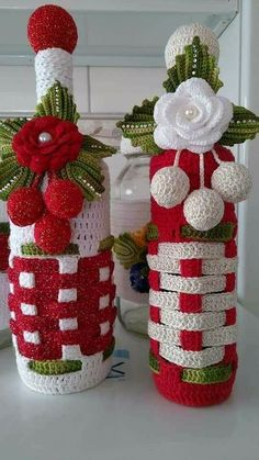 And Lovely Crochet Ideas With Knitting Patterns - Latest ideas information Crochet Christmas Decorations, Crochet Christmas Trees, Crochet Decoration, Christmas Crochet Patterns, Holiday Crochet, Christmas Knitting, Christmas Crafts, Christmas Ornaments, Crochet Motif