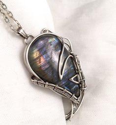 Purple Labradorite, Labradorite Necklace, Labradorite Jewelry, Labradorite, Silver pendant, Sterling Silver, Wire Wrap Necklace, Rainbow