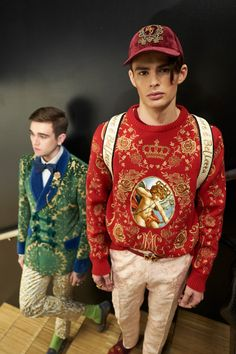 Videos and Pictures from Dolce & Gabbana Fall Winter 2018-19 Menswear Fashion Show Backstage on Dolcegabbana.com.