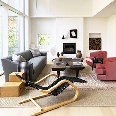 Just the right pop of pink @ashe_leonardo ♥️ #modernhouse #moderndesign #interiordesign #architecture  #art #pink #architectural #architect #designer #luxury #luxuryhome #contemporaryart  #contemporarydesign #decor #decoration #designinspiration #furnituredesign #furniturestores 