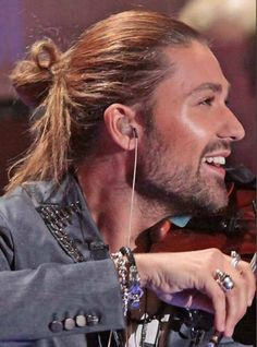 David Garrett - man bun and violin.....sigh...lol