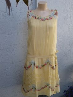 Vintage 1920's Flapper Cornsilk Yellow Silk Chiffon and Lace Dress Covered With Silk Ribbonwork Roses and Bows  Wedding Bridal Gatsby.