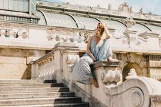 It is mid-May and (even though the weather forecast for the next four days in Vienna looks pretty rainy) soon the real summer nights will be hitting our doors. Jumpsuit Dressy, Top Blogs, Pool Days, Summer Nights, Vienna, How To Look Pretty, Jumpsuits, Kissing Hand, Overalls