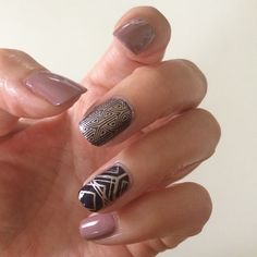 Art deco designby @littledotsspot on Instagram. She's used Messy Mansion Nail Stamping Plate MM45