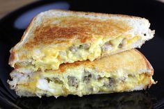 sausage and egg grilled cheese sandwich! sausage and egg grilled cheese sandwich! Egg And Cheese Sandwich, Grill Cheese Sandwich Recipes, Grilled Cheese Recipes, Cheese Bread, Grilled Cheeses, Steak Sandwiches, Burger Recipes, Grilled Sausage, Cheese Sausage