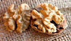 La consommation quotidienne de fruits à coque, et surtout de noix, exerce un effet positif sur la santé des artères, et notamment sur le taux de cholestérol : le mauvais (LDL), le bon (HDL) et le cholestérol total.