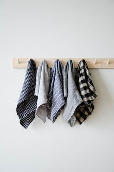 These long-lasting natural linen kitchen towels will only get softer and more absorbent with each wash. A nifty cotton loop allows for it to easily hang-dry. Made in Lithuania W x L linen Made in Lithuania Machine wash gentle, dry co Fog Linen, Textiles, Kitchen Linens, Kitchen Towels Hanging, Kitchen Fabric, Kitchen Hand Towels, Cloth Napkins, Linen Napkins, Deco Design